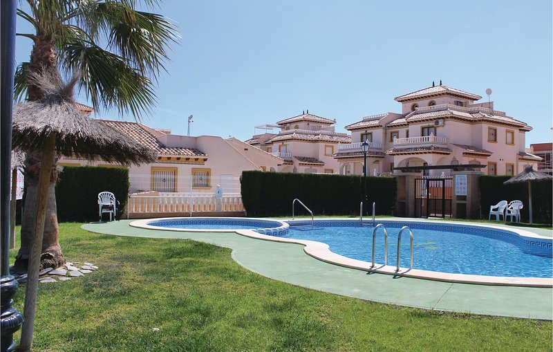 Nice home in Orihuela Costa with WiFi and 2 Bedrooms (EBL802), holiday rental in Los Dolses