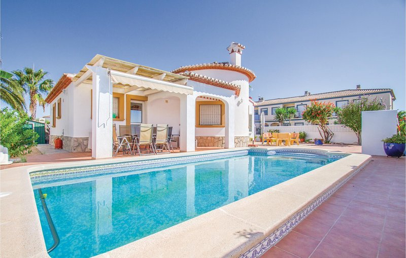 Awesome home in Els Poblets with WiFi and 3 Bedrooms (EBL816), holiday rental in Pamis