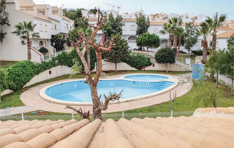 Awesome home in Gran Alacant with WiFi and 2 Bedrooms (EBL889), holiday rental in Los Arenales del Sol