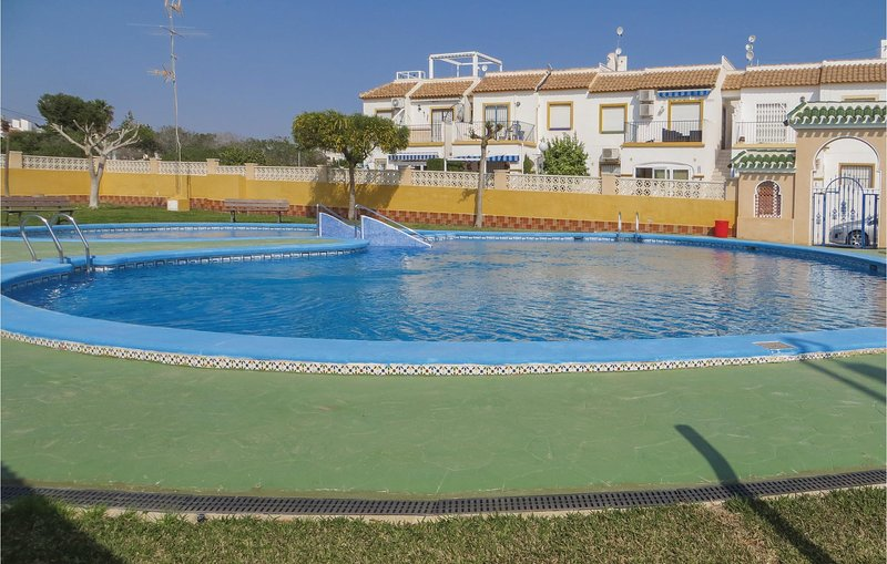 Amazing home in Orihuela Costa with WiFi and 2 Bedrooms (EBL929), holiday rental in Playa Flamenca