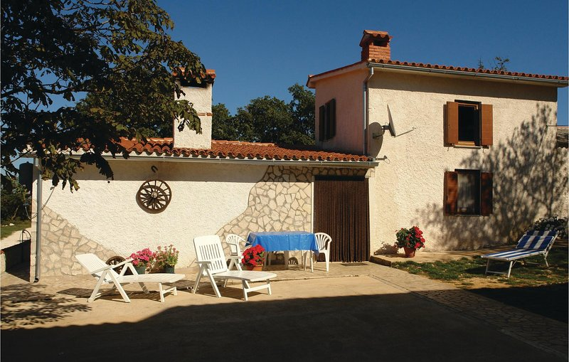 Stunning home in Barban with 3 Bedrooms (CIL102), location de vacances à Rebici