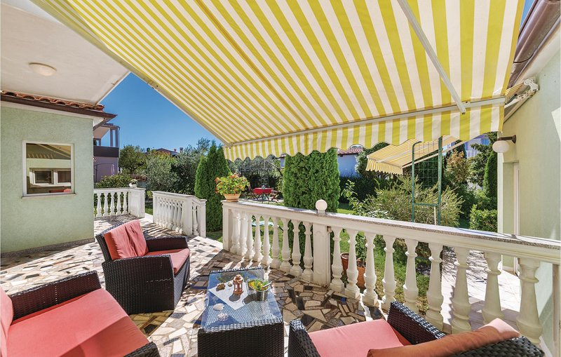 Amazing home in Valtura w/ WiFi and 3 Bedrooms (CIL187), location de vacances à Valtura