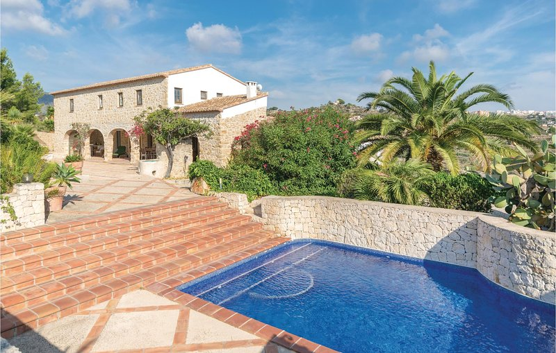 Nice home in Benissa with 3 Bedrooms (EBL947), holiday rental in Canor