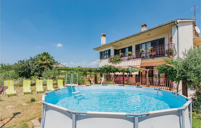 Nice home in Svetvincenat with 3 Bedrooms (CIL772), holiday rental in Bibici