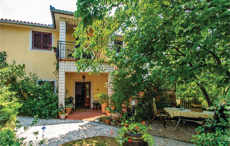 Beautiful home in Nedescina with Jacuzzi, Sauna and 1 Bedrooms (CIL324), location de vacances à Nedescina