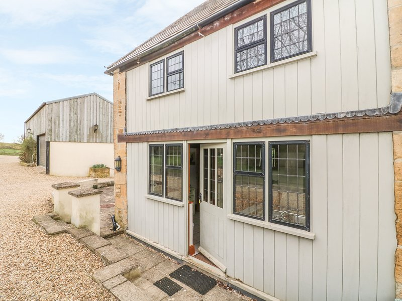 TALLET BARN, perfect for couples, Little Rissington, vacation rental in Wyck Rissington