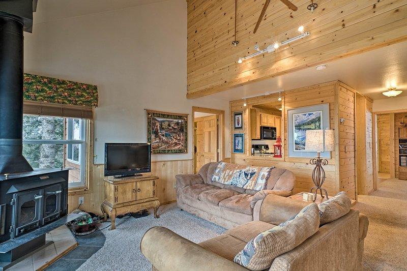 Cripple Creek Home w/ Views - Near Pikes Peak!, vacation rental in Cripple Creek