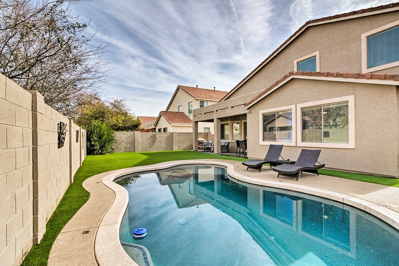 Enjoy this outdoor oasis right outside the backdoor.