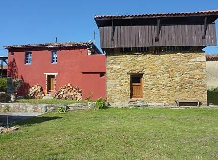 MONTAÑA, MAR Y RÍO (CASA) VIVIENDA VACACIONAL CUDILLERO, ASTURIAS, location de vacances à Pravia