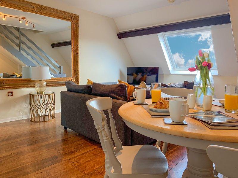 NEW! Newly refurbished triplex apartment, Ferienwohnung in Harrogate