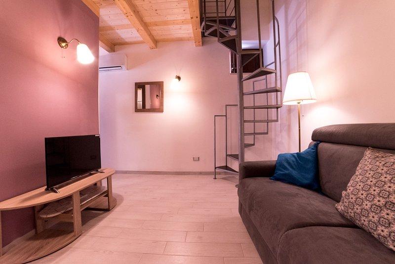 Nice apt with balcony & Wifi, holiday rental in Testa dell Acqua