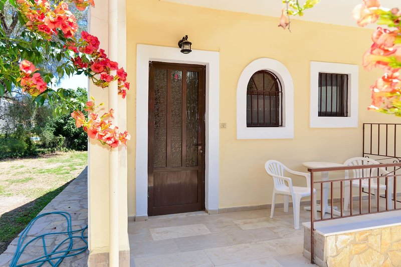 Corfu Budget Friendly House in a Quiet Farm, vacation rental in Lefkimi