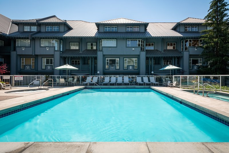 Deluxe Condo with Cozy Fireplace and Private Balcony | FUN AMENITIES! Chalet in Whistler