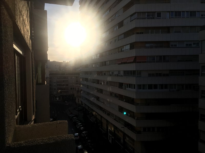 Apartamento de Tres Dormitorios en Alicante. Zona Mercado, aluguéis de temporada em Rojales