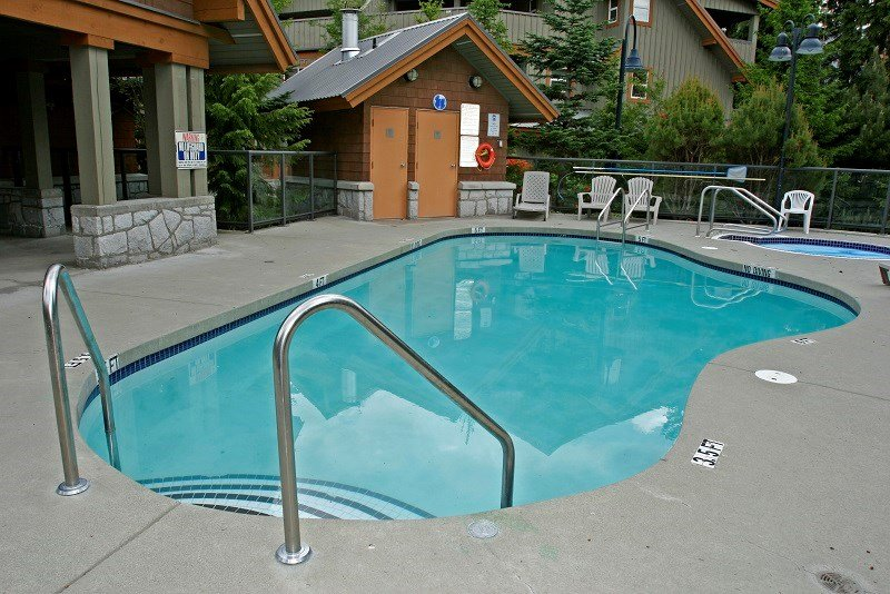 Charming 1 Bedroom Suite with Access to Amazing Amenities Chalet in Whistler