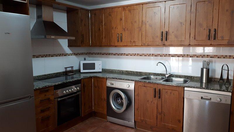 PRECIOSO APARTAMENTO EN ORIHUELA DEL TREMEDAL-SIERRA DE ALBARRACIN - TERUEL, vacation rental in Orea
