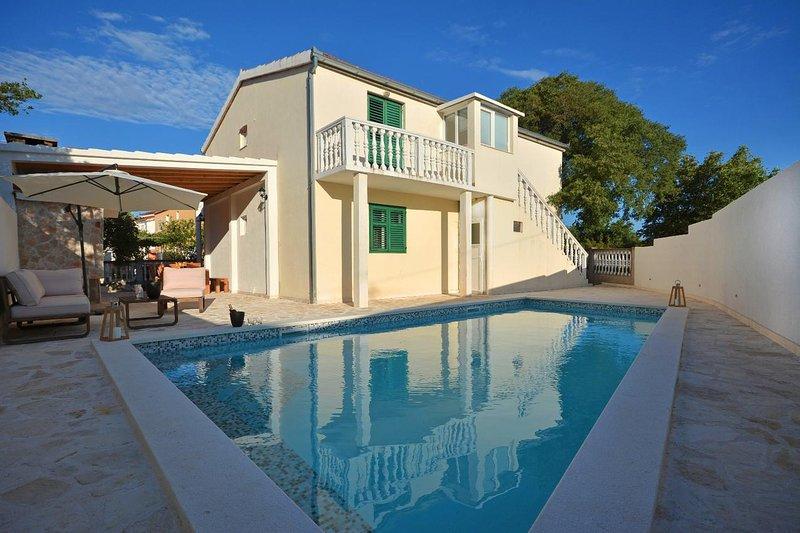 Three bedroom house Marina, Trogir (K-15565), holiday rental in Gustirna
