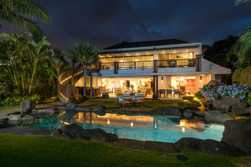 A perfect private Hawaiian retreat you will not want to miss!