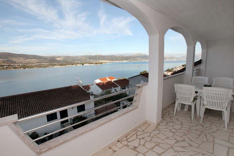 Maja A3(4+2) - Mastrinka, vacation rental in Gornji Seget