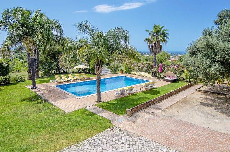 Casa da Avó, holiday rental in Alfarrobeira