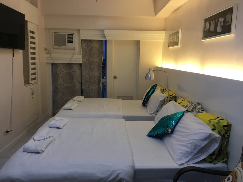 Comfortable, Clean, Safe and Affordable Tagaytay Accommodation, casa vacanza a Silang