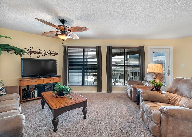 Sandpiper 6C ~ Nicely Decorated Condo with Gulf views~Bender Vacation Rentals, location de vacances à Gulf Shores