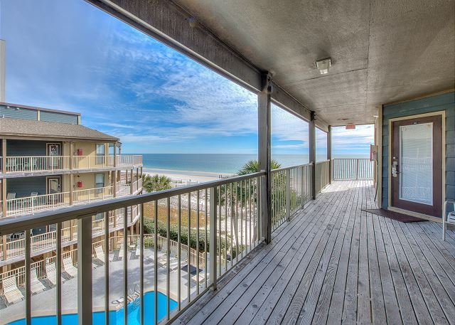 Sandpiper 15C ~ Beachy Condo with Awesome Beach View~Bender Vacation Rentals, location de vacances à Gulf Shores