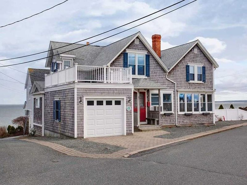 FALMOUTH HEIGHTS sleeps 10 with a VIEW 141337, holiday rental in Falmouth