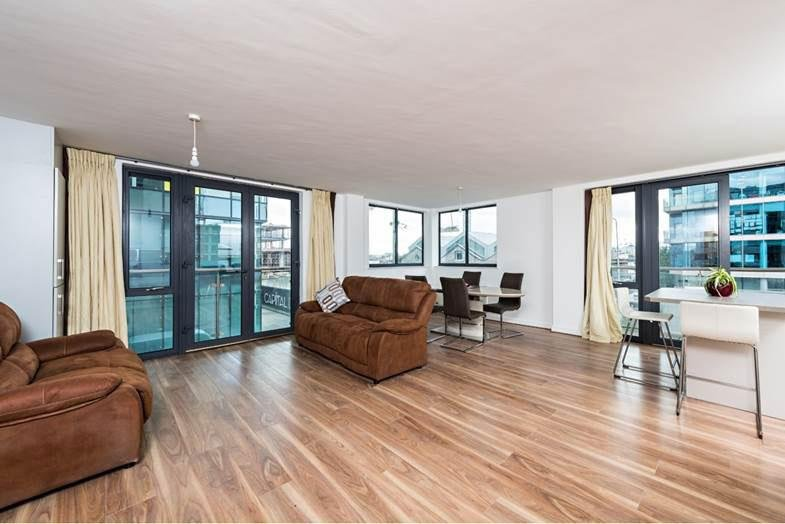 SHORT WALK TO CITY CENTRE-GRAND CANAL DOCK 2BR-2BA, holiday rental in Howth