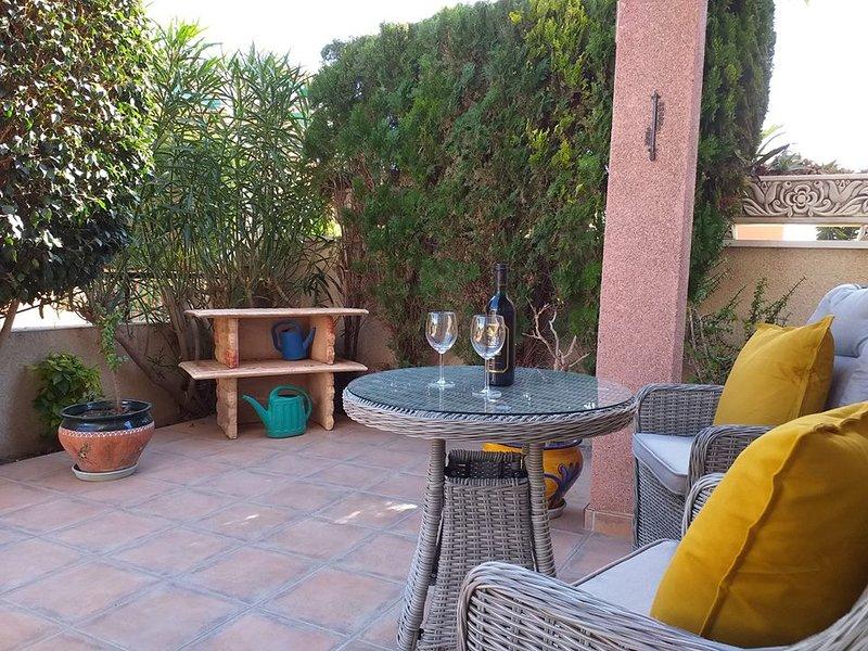 Stunning 3 Bed 2 Bath Detached Villa with Private Pool, alquiler vacacional en Playa Flamenca