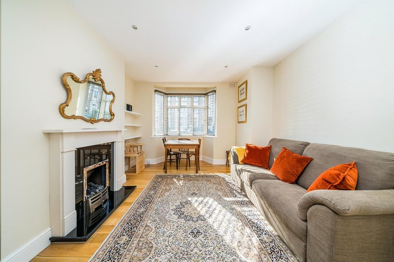 Lovely, Modern 2 Bed Flat in Central Twickenham, holiday rental in Twickenham