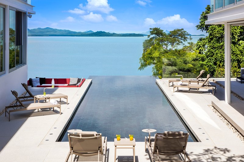 Villa Assava - 5 Bedrooms in Phuket, aluguéis de temporada em Thalang District