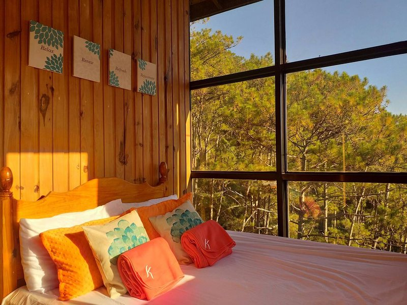SAGADA Private Home∙Overlooking Pine Trees∙Mountain Views∙Sunrise, holiday rental in Cordillera Region