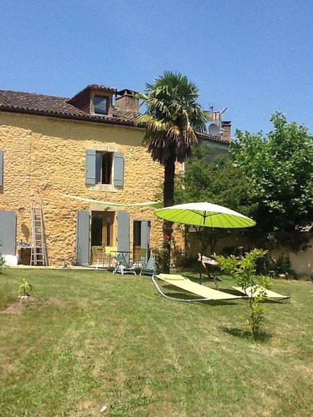 Hameau de paix dans un village de charme, holiday rental in Saint-Germain de Belves