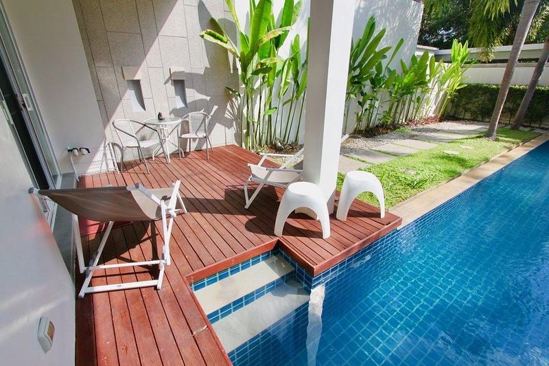 Villa Blossom en Bang Tao Oxygen Villas, un estilo de vida de centro turístico con una enorme piscina privada