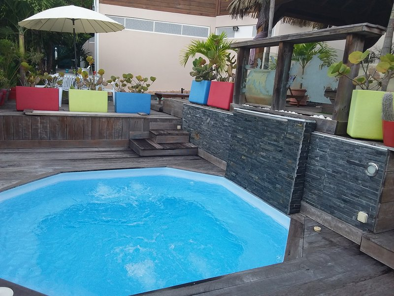 Amazing villa with swimming-pool, holiday rental in Douville