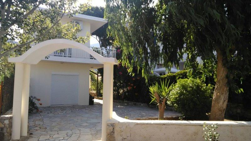 Marilen A, holiday rental in Livadia