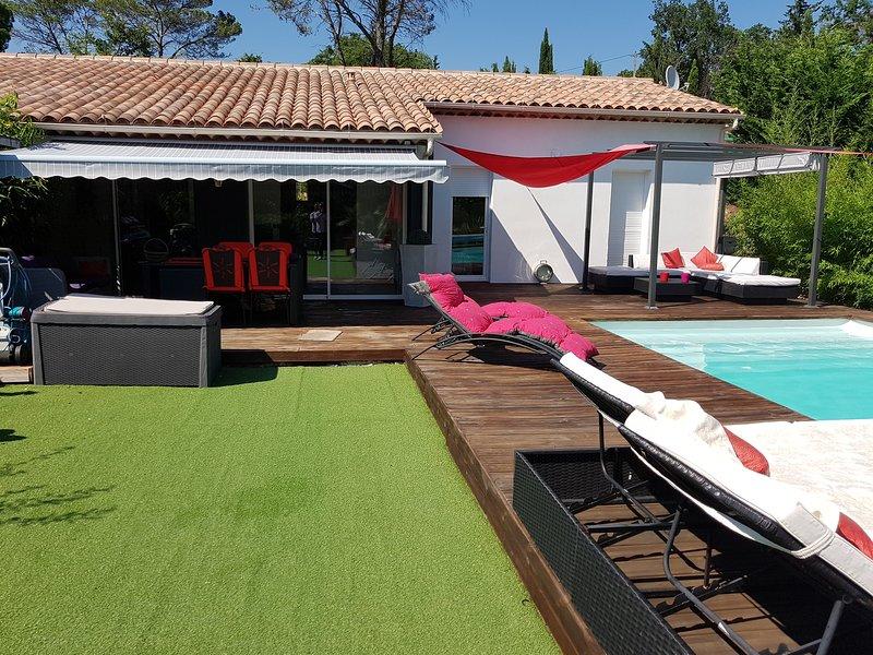Villa Moderne de Plein  Pieds, holiday rental in Saint-Paul-en-Foret
