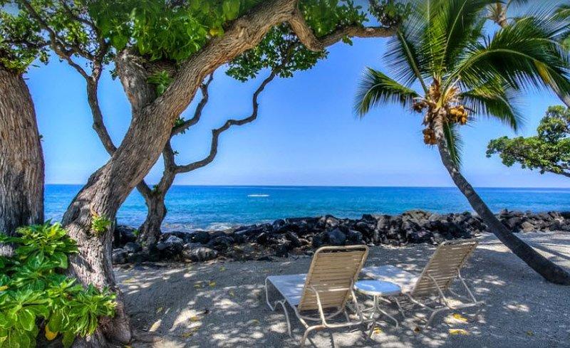 Hawaiian Paradise, Kona Isle, Ocean Front Complex. Rates starting at $90 a night, holiday rental in Kailua-Kona
