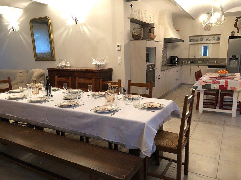 Sua mesa para reunir todos vocês para uma boa refeição