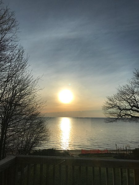 Deluxe 5 bedroom Lakefront home, Lake Huron, Sandy Beach, Wooded Point, holiday rental in Omer
