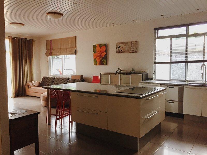 Taina Pae - Lit dans dortoir mixte 2 personnes, location de vacances à Faa'a