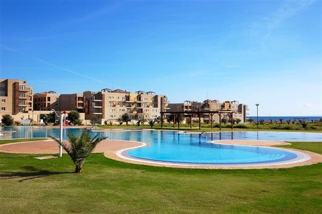 2 bedroom penthouse at Thalassa Beach Resort North Cyprus, alquiler vacacional en Galatia
