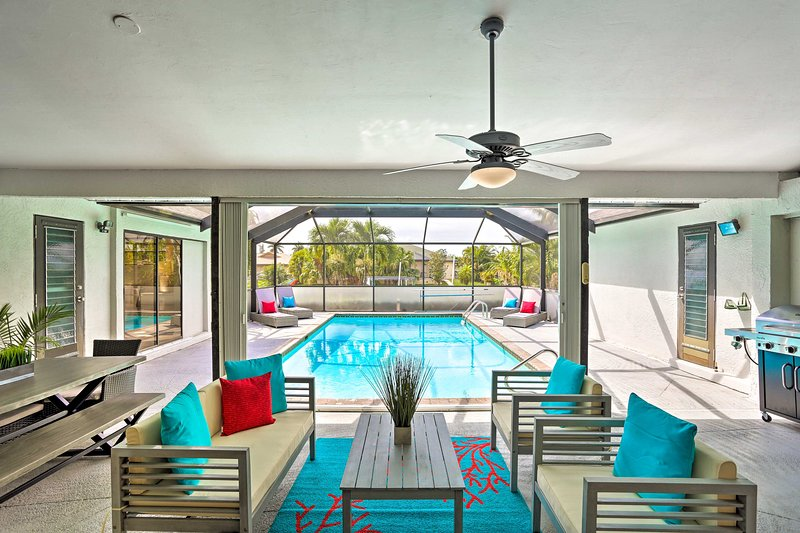 Modern Cape Coral Home w/ Pool, Dock & Gulf Access, location de vacances à Iona