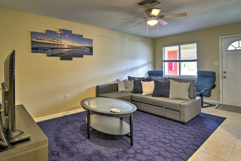 Cozy Indian Rocks Beach Condo- Steps to Beach, vacation rental in Belleair Beach