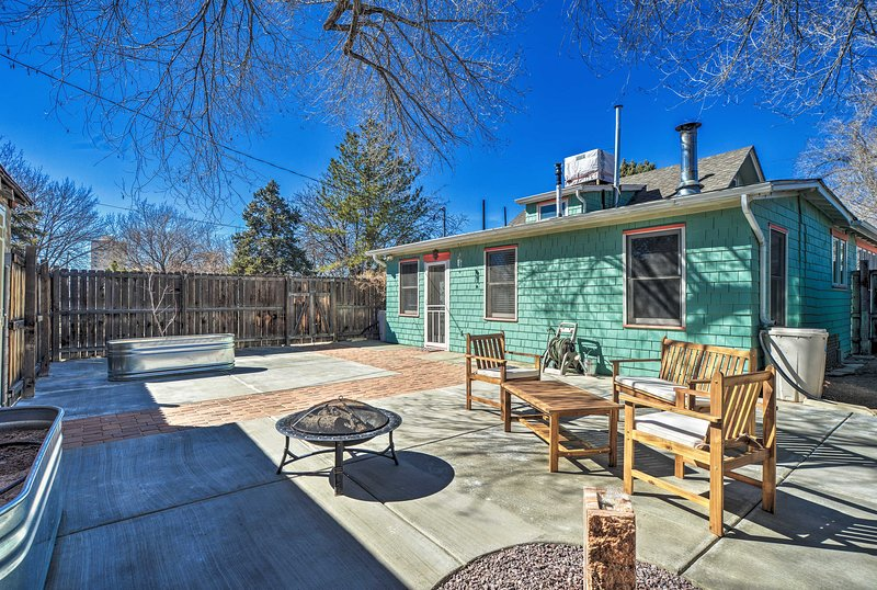 Enjoy warm Albuquerque evenings on the home's furnished patio!