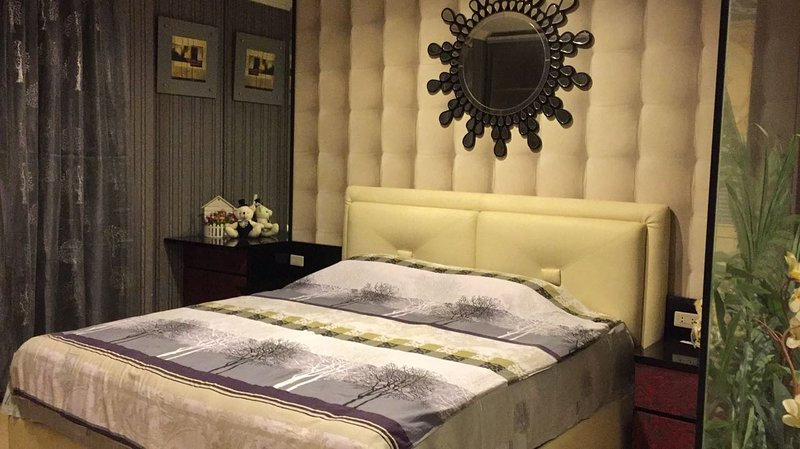 LUXURIOUS 3 BEDROOM APARTMENT, alquiler de vacaciones en Bekasi