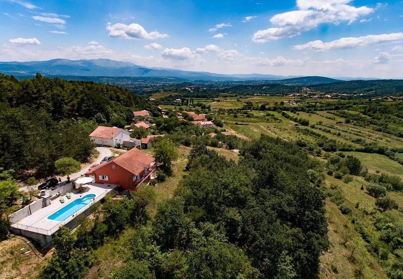 FHS H(4+2) - Hrvace, vacation rental in Donje Ogorje