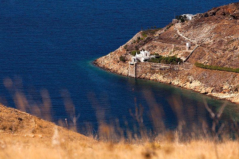Cape Villa in Megalo Livadi Serifos, vacation rental in Serifos