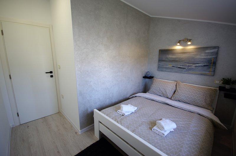 New modern apartment near Rovinj, location de vacances à Brajkovici